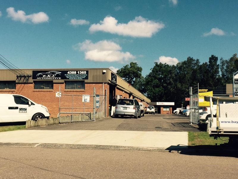 134m2 factory unit in well located industrial estate!