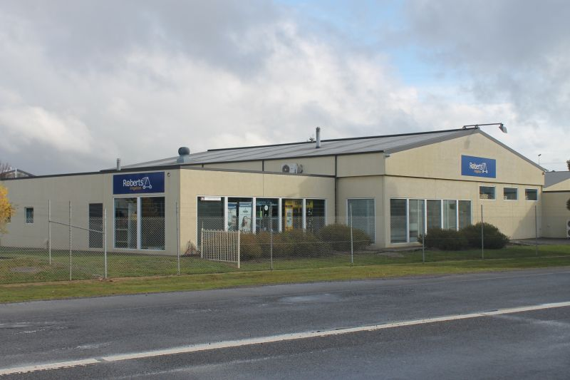 QUALITY WAREHOUSE + SHOWROOM + OFFICES - PROSPECT