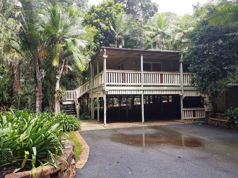 3 BEDROOM QUEENSLANDER SET IN TROPICAL GARDENS