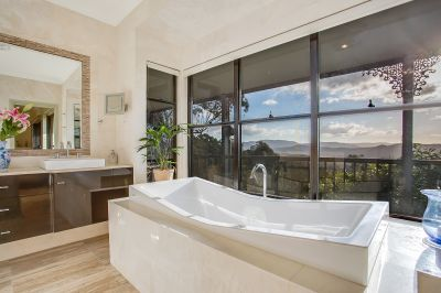 Private, Tranquil 62sq home with Pool & Stunning Views