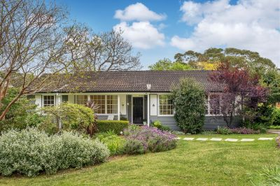 Charming Family Entertainer with Stunning Bushland Views