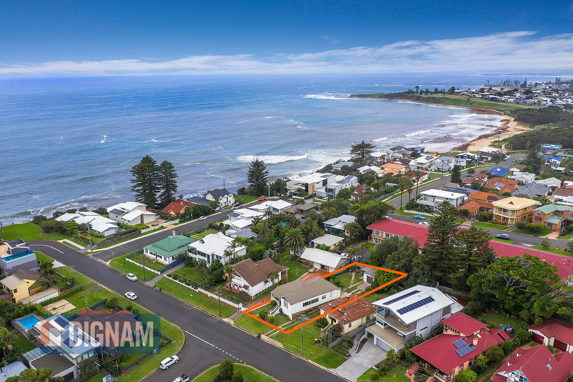 10 Surfers Parade, Thirroul NSW