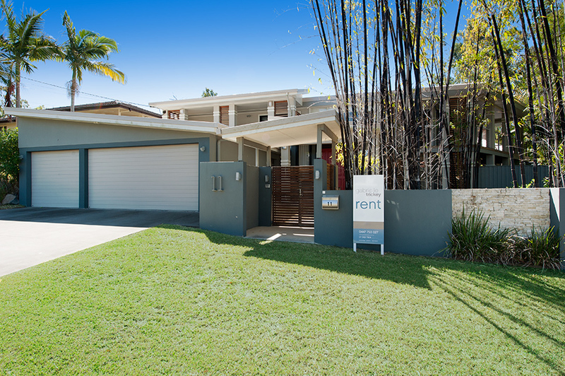 FULLY FURNISHED - 1/4 Acre Home with Pool and Stunning Gardens