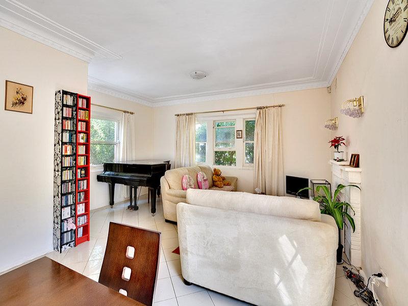 16 Fitzgerald Crescent, Strathfield