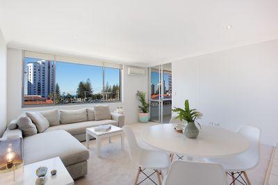 TOP FLOOR - OCEAN & CITY VIEWS - fully furnished