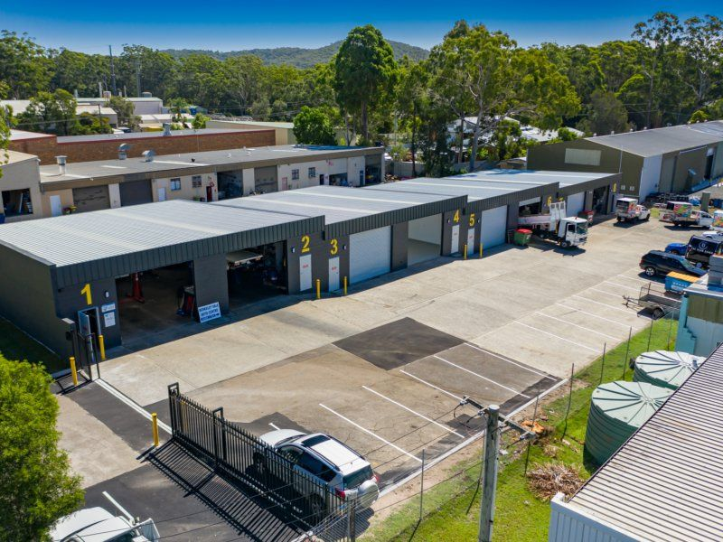OUTSTANDING VALUE AND A FULLY RENOVATED FACTORY UNIT WITH GREAT PARKING!