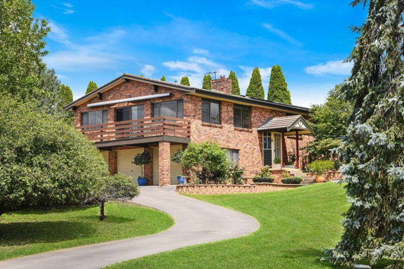 Large Block, Impressive Home, Abundant Garaging