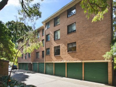 BEAUTIFULLY RENOVATED 2 BEDROOM UNIT