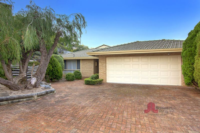 FAMILY HOME IN IDEAL LOCATION