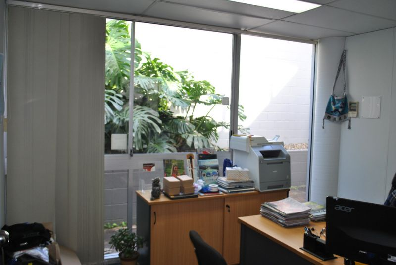GROUND FLOOR OFFICE WITH GOOD NATURAL LIGHT