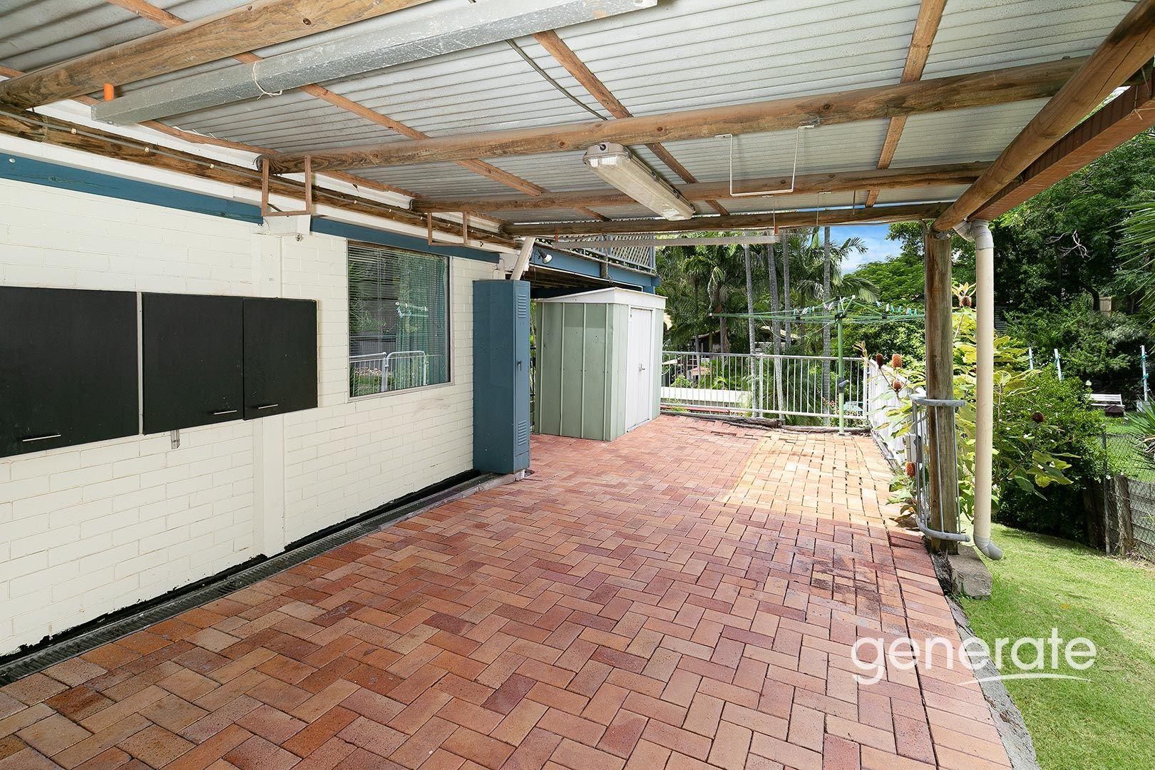 24 Henderson Road, Everton Hills QLD 4053