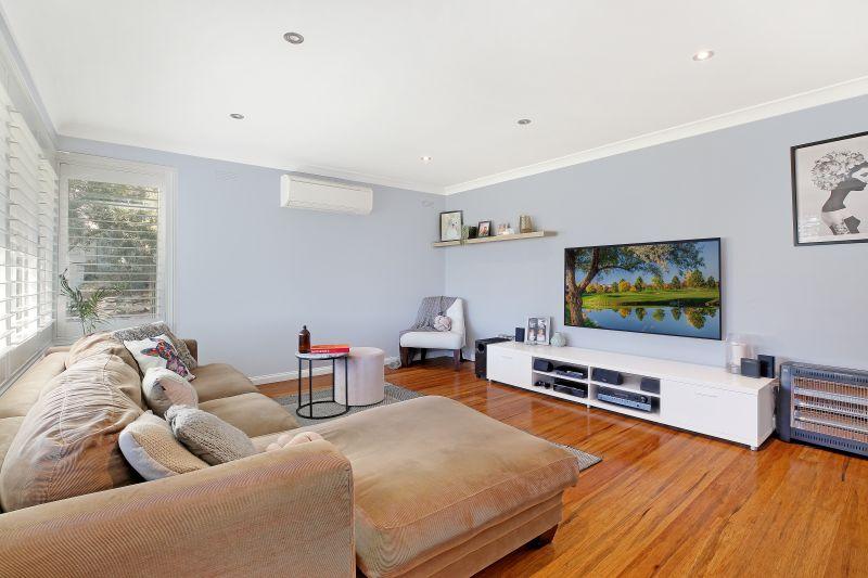 9 Mikarie Place, Kirrawee NSW 2232
