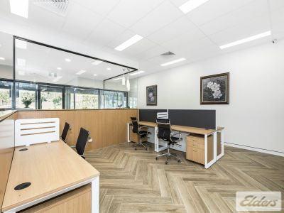 TURN KEY, PROFESSIONAL OFFICE IN THE HEART OF THE GABBA!