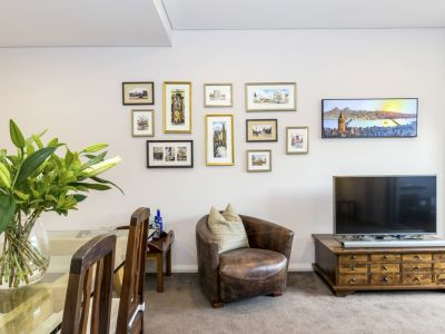 8/54 Blackwall Point Road, Chiswick