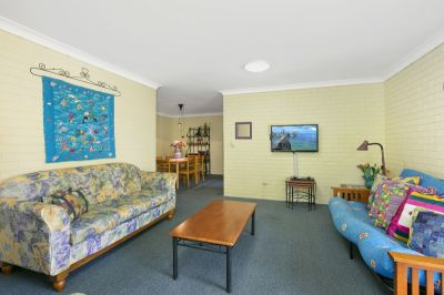 FURNISHED BROADBEACH APARTMENT