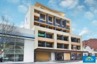 Delightful Studio Apartment In Heart of Parramatta. Sunny Balcony. 2 minutes Walk To Station & Westfields Shopping