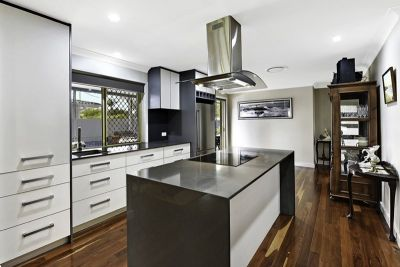 Fall In Love. Completely Renovated family home