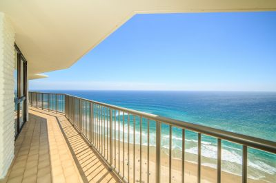 When size and location matters - fully furnished Beachside apartment