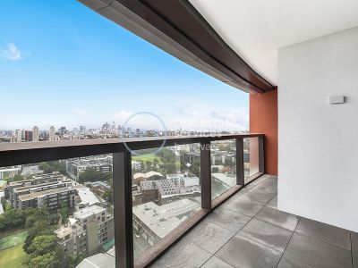 2-Bedroom Apartment with Sweeping City Views in Green Square