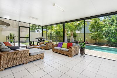 Best Location on the Gold Coast, close to schools, huge side access + large shed!