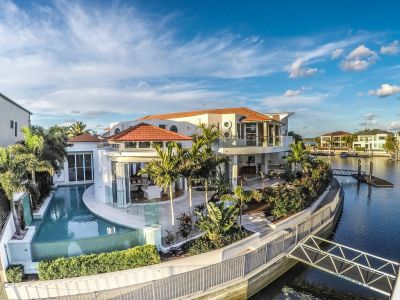 Superb Resort Luxury with Wide Water Frontage