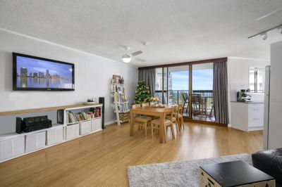 Renovated Apartment- 8th Floor with Ocean Views