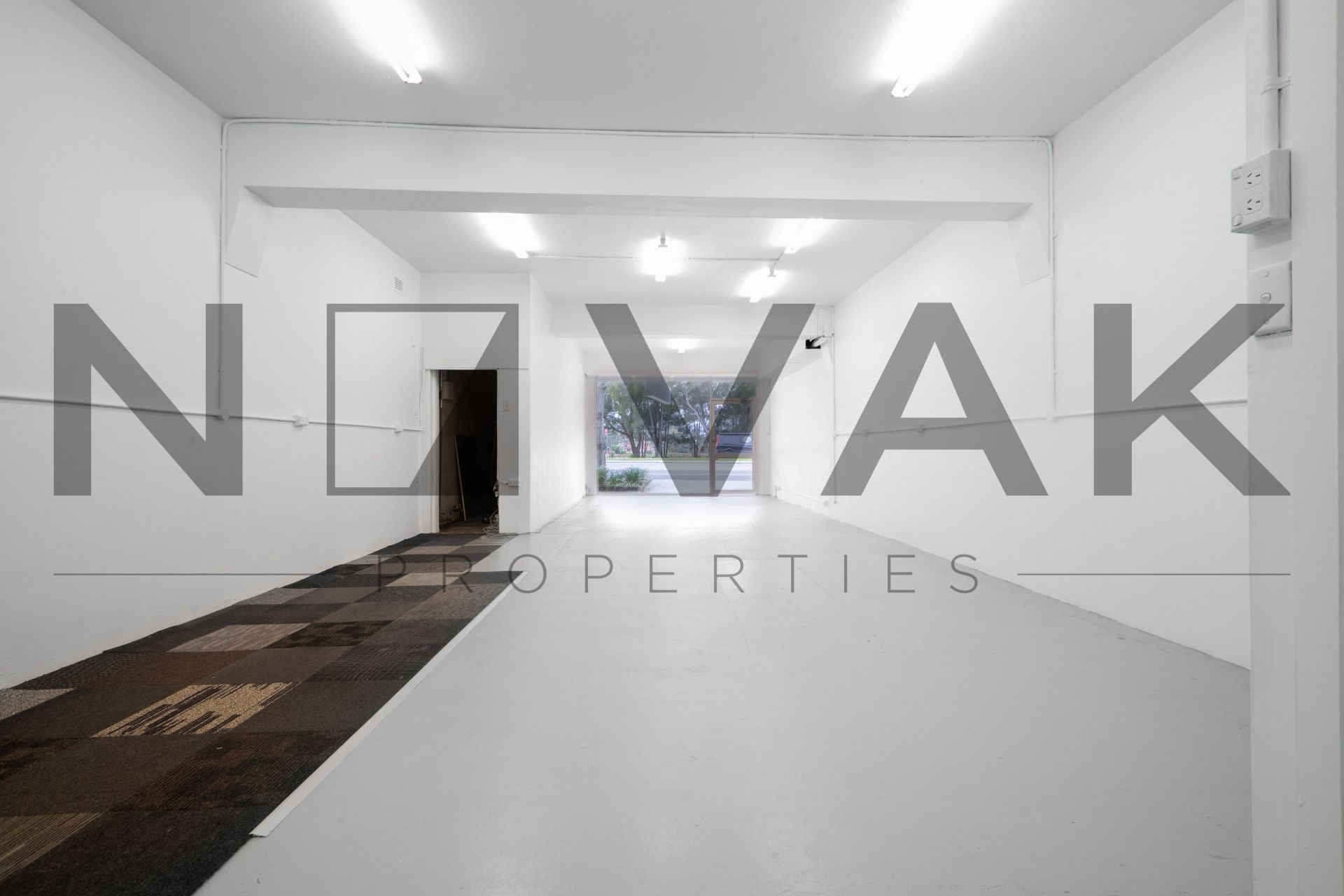 MUST BE LEASED! 6 MONTHS FREE RENT INCENTIVE
