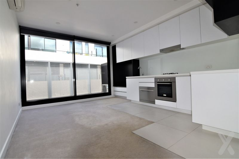 One Bedroom with Carpark - West Melbourne!