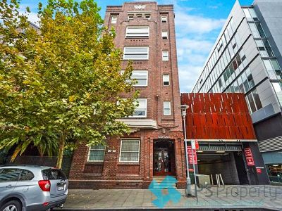 FULLY FURNISHED EXECUTIVE ART DECO RESIDENCE IN PRIZED STREET