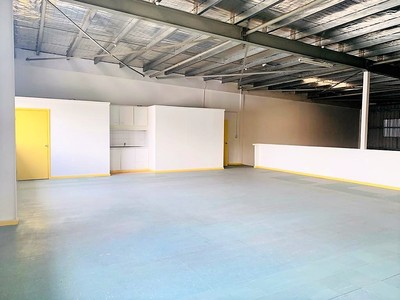 Convertible Commercial Warehouse for Lease