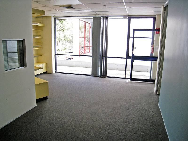 SPACIOUS COMMERCIAL STRATA OFFICE SUITE