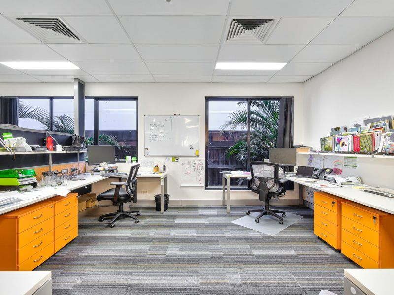 Whole Ground Floor 'A Grade' Office On M1