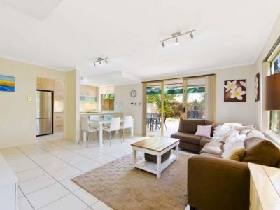 Fully renovated stunning townhouse