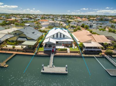 Architecturally Designed Masterpiece......Over 20.m* Waterfront