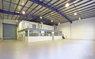 FLEXIBLE JAMES STREET WAREHOUSE/STORAGE OPPORTUNITY!
