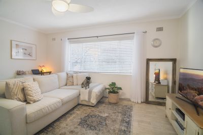 Pet Friendly Apartment in Trendy Locale