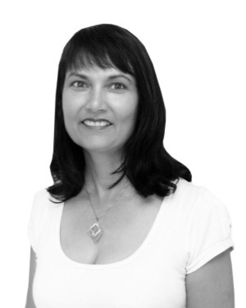 Karen Hardcastle Real Estate Agent