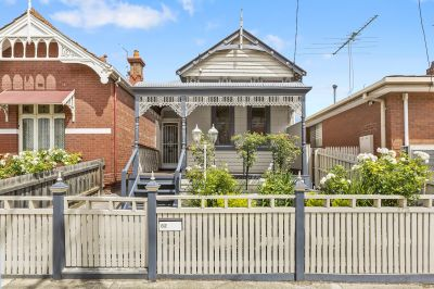 Victorian Gem in Central Seddon with Off Street Parking