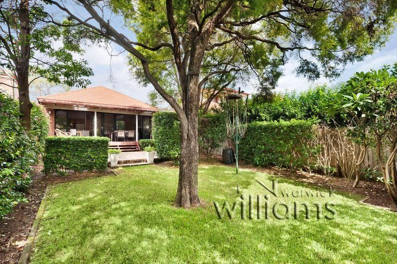 Peaceful family living and entertainers garden