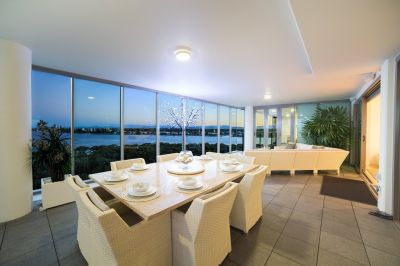 Luxury Sub-Penthouse - Incredible Views - Motivated Seller