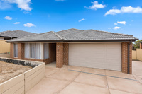 9 SALUTE COURT Wallan, Vic