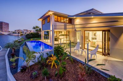 The Ultimate Waterfront Entertainer - 50sq North East Facing Home