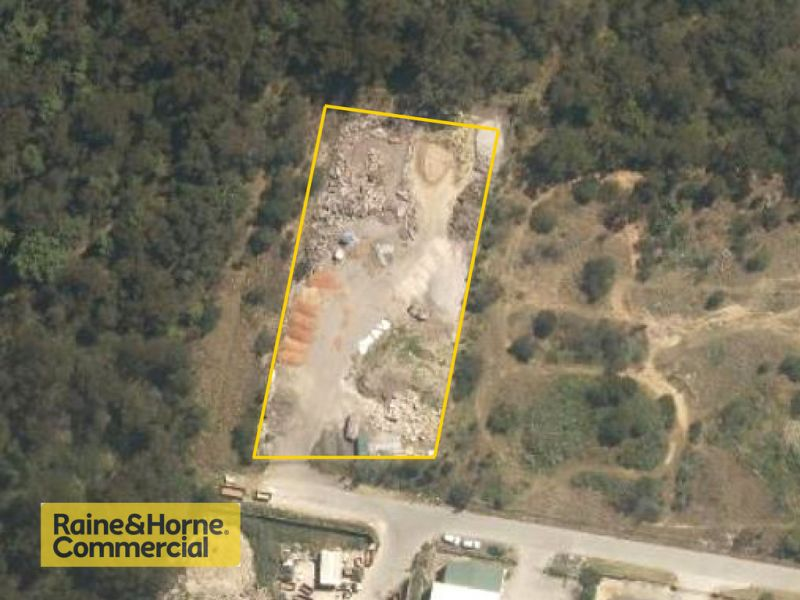 Large industrial yard! Ideal for landscape or storage