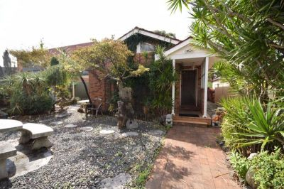 Comfortable 2 Bedroom Family Home for Lease