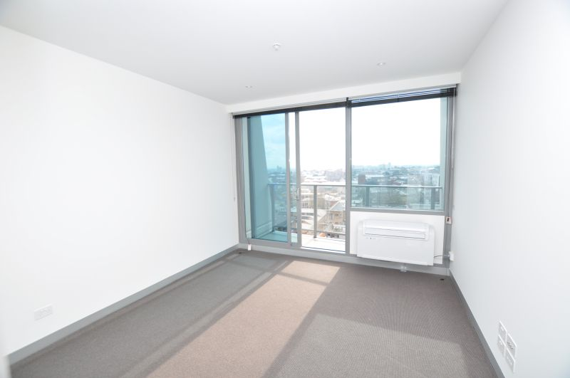 Flagstaff Place: 8th Floor - Modern One Bedroom with Whitegoods Included!