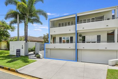 North Facing Duplex in the heart of Paradise Point