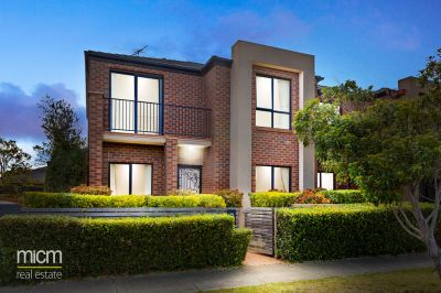 Super-Sized, Low-Maintenance Luxury in Parkland Setting and Alamanda School Zone