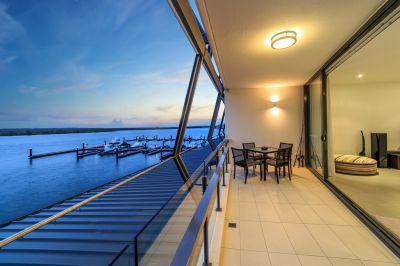 Cash Cow! Waterfront Apartment Living Plus Commercial Premises Downstairs!