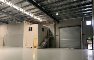 Warehouse Close To The M1 - Bring All Offers