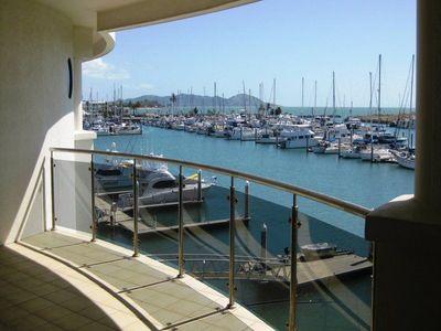 Executive apartment with views of marina